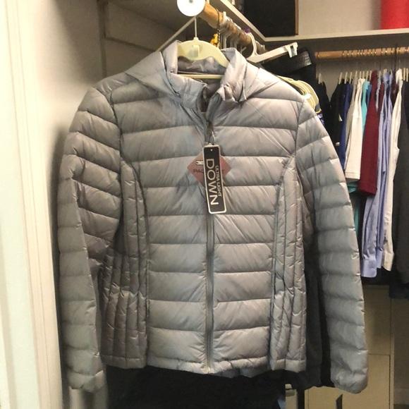 69fc2f6e020 32 degree heat packable silver jacket- women's NWT